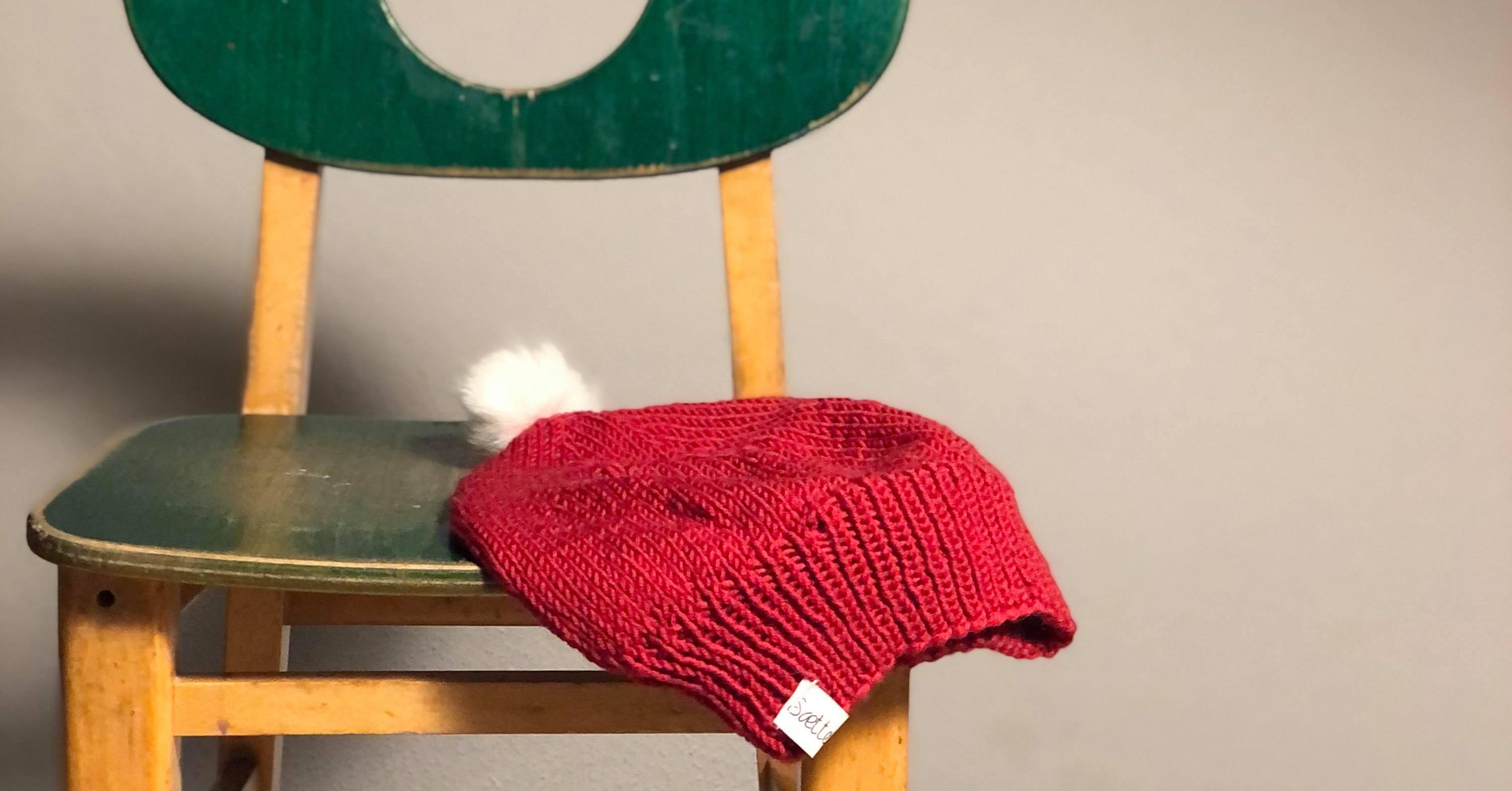 strikket kort nissehue